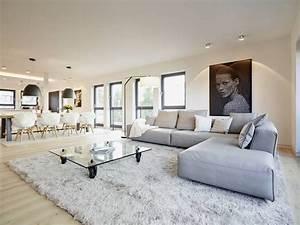 Wohnzimmer Bilder Modern : die besten 17 ideen zu moderne wohnzimmer auf pinterest ~ Michelbontemps.com Haus und Dekorationen