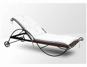 Bain De Soleil Rotin : la m tallerie chaise en fer forg avec coussin ~ Teatrodelosmanantiales.com Idées de Décoration