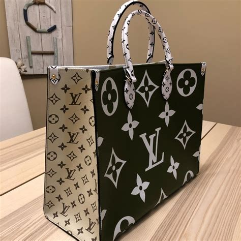 louis vuitton bags giant monogram onthego tote kaki