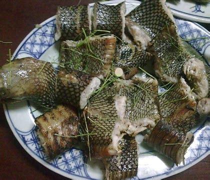 cuisine ivoirienne kedjenou manger du serpent a abidjan c est possible mondabali