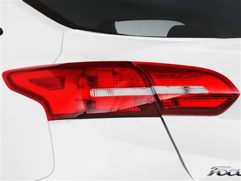 image  ford focus se sedan tail light size