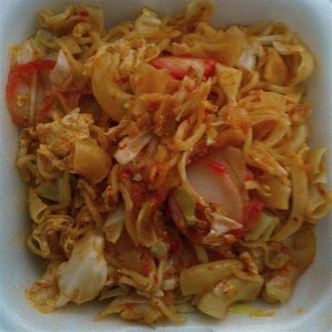 1 sendok makan bumbu nasi goreng instant pedas. Cara Membuat Seblak Sosis Basah - Cara Mudah