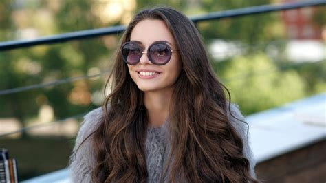 Long Hairstyles for Very Curly Hair Women