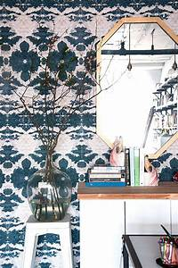 A Guide to 10 Wallpapers You Need Right Now At Home