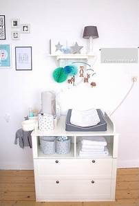 Mobile über Wickeltisch : die besten 25 wickeltisch ideen auf pinterest wickeltische babywickelstation und babym bel ~ Orissabook.com Haus und Dekorationen