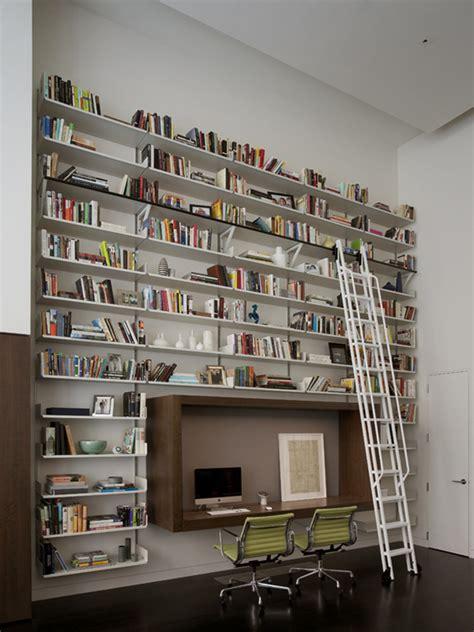 bureau atypique avec bibliotheque