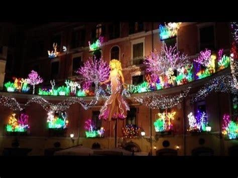 Salerno Illuminazioni Natalizie by Salerno Brilla Per Le Di Natale La Citt 224 Invasa Dai