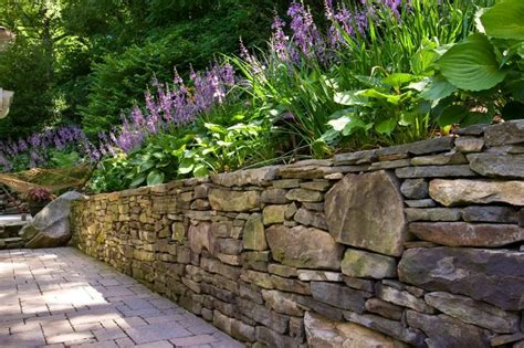 retaining wall plants pictures stone retaining wall w plants retaining walls pinterest