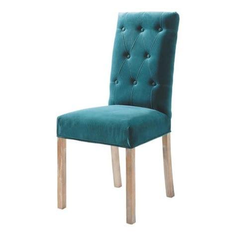 la chaise et bleu chaise capitonn 233 e en velours et bois bleu canard elizabeth maisons du monde