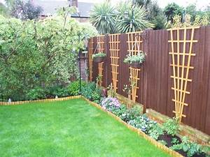 Side, Fence, With, Hanging, Baskets, Grows, On, You