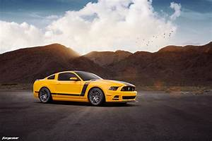 School Bus Yellow Ford Mustang Boss 302 - Forgestar F14 Wheels