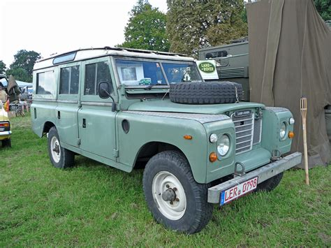 red land rover old dennis matthies