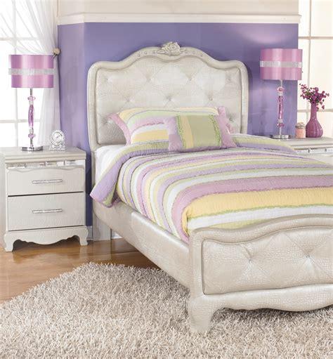Zarollina Youth Upholstered Bedroom Set From Ashley (b182