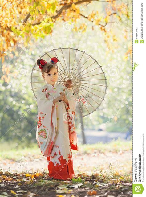 girl  traditional japanese kimono stock photo image