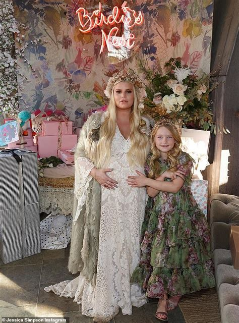 Jessica Simpson Appears To Reveal Her Daughters Name As