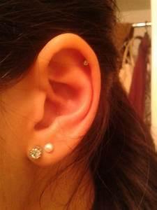 double lobe | Tumblr | Beauty - Double ear piercings, Ear ...