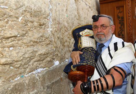 Polish Hidden Jew Becomes Bar Mitzvah At Kotel
