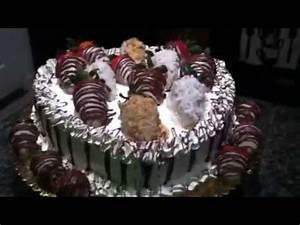 Pastel de corazon con fresas bañadas en chocolate - YouTube