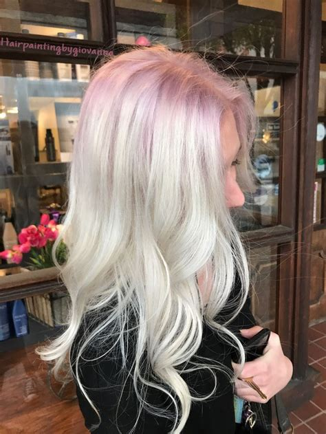 Golden Platinum Hair by Stunning Platinum Hair With A Subtle Gold Shadow Root