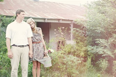 Jessica And Ryan Southern Vintage Engagement Photography