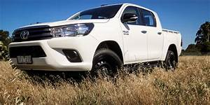 4 4 Toyota : 2016 toyota hilux sr 4 4 dual cab week with review photos caradvice ~ Maxctalentgroup.com Avis de Voitures