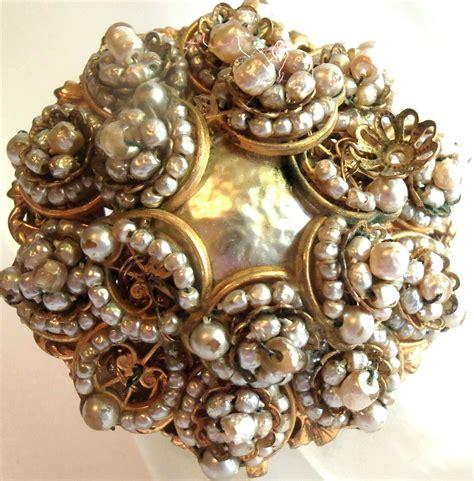 miriam haskell vintage   pearl flower design