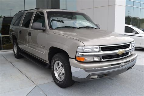 Pre-owned 2000 Chevrolet Suburban Lt Sport Utility In