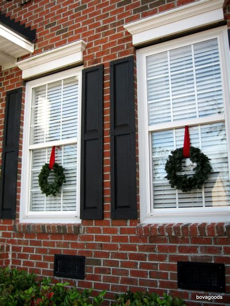 hanging christmas lights on windows outside charleston sc christmas goods an easy way to hang