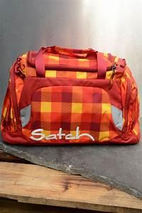 Sporttasche Mit Rucksackfunktion : satch sporttasche firecracker ~ Eleganceandgraceweddings.com Haus und Dekorationen