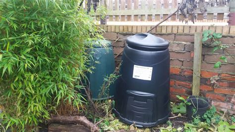 Starting A Compost Bin In A Tiny Garden  Less Stuff