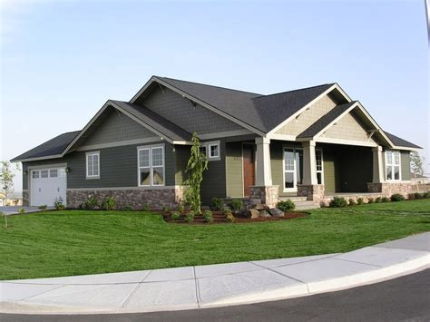 Single Story Home Plans