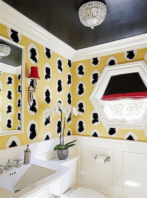 bold decorating ideas  small bathrooms