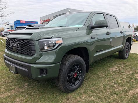 Including destination charge, it arrives with a manufacturer's suggested retail price (msrp) of. Bolton Toyota | 2020 Toyota Tundra 4x4 CrewMax SR5 5.7 6A