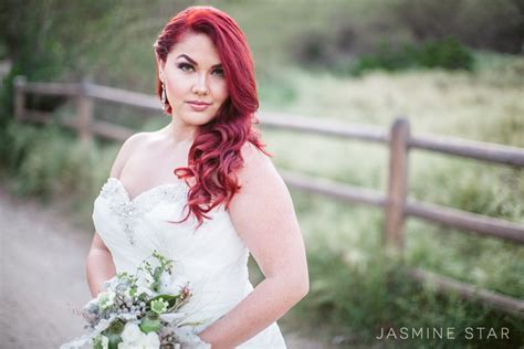 12193 professional wedding photography poses how to pose a curvy