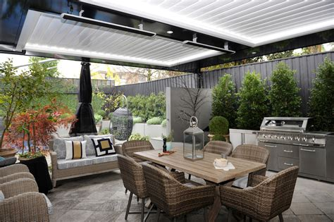 How To Create An Outdoor Entertaining Area