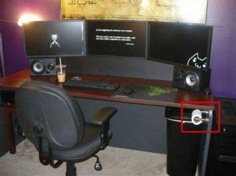 h el avec dans la chambre décoration bureau gamer