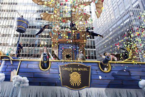 cirque floats  macys thanksgiving day parade