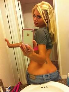 Hot chicks in bathroom selfies