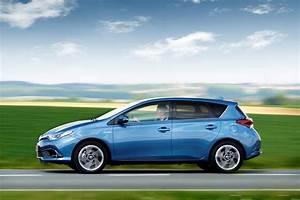 Avis Toyota Auris Hybride : toyota auris hsd 2015 prix et caract ristiques de l 39 auris hybride photo 6 l 39 argus ~ Gottalentnigeria.com Avis de Voitures