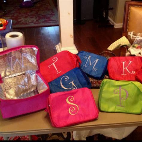 cute  cheap gift ideas dollar tree insulated bags   quick monogram