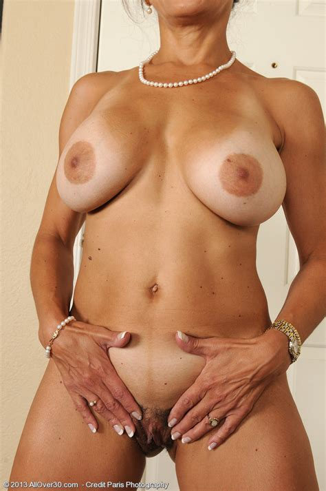 Housewife Tori Baker Play With Her Goodies Milf Fox