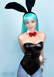 Bulma Bunny Cosplay Girl