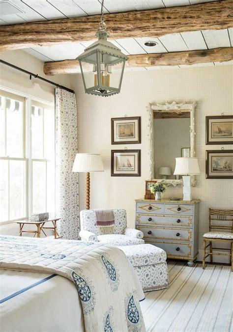 revêtement de sol chambre à coucher deco chambre a coucher style cagne chic poutres