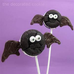 Oreo Cakester bat and spider pops for Halloween, spooky