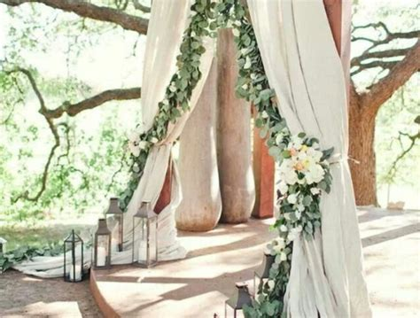 ideas for s grand entrance at outdoor wedding ceremony