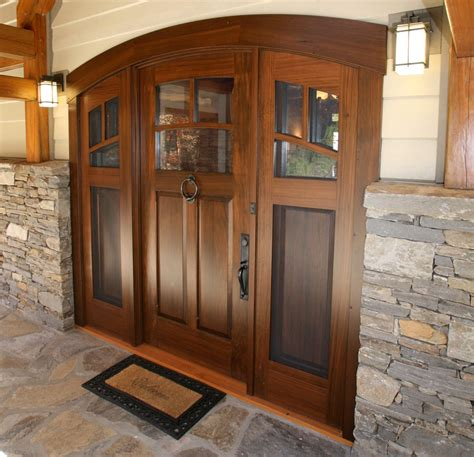 mountain home entry door features  layers