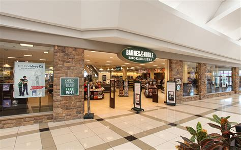 barnes and noble grand rapids woodland mall preit
