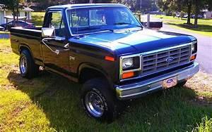 84f1504x4351w 1984 Ford F150 Regular Cab Specs  Photos