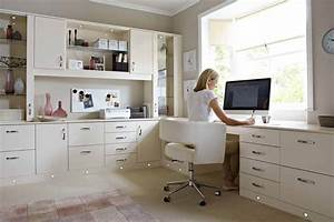 3 simple tips for creating the perfect home office space for Cozy contemporary home office