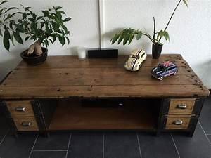 Meuble Tv Industrielle : table basse meuble tv industriel atelier vintage mobilier industriel lyon ~ Nature-et-papiers.com Idées de Décoration
